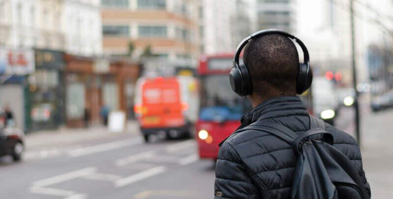 headphones bass